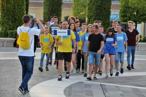 A pinczówi csapat az ifjúsági sporttalálkozó megnyitóján