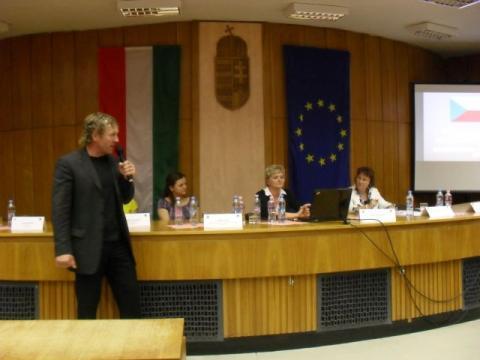 Testvérvárosi konferencia az ifjúságért, az ifjúsággal – Tatán