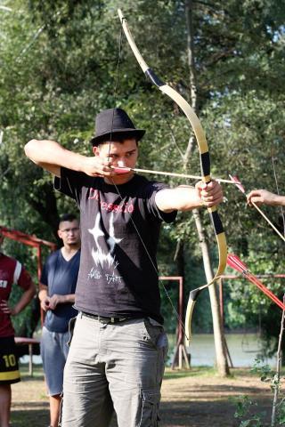 Tataiak táboroztak Magyarkanizsán