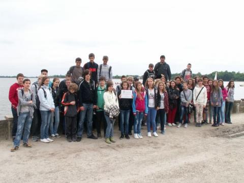 Határtalan szeretettel a Délvidéken - tatai iskolások Magyarkanizsán